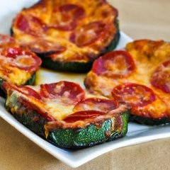 http://www.kalynskitchen.com/2010/08/recipe-for-grilled-zucchini-pizza.html